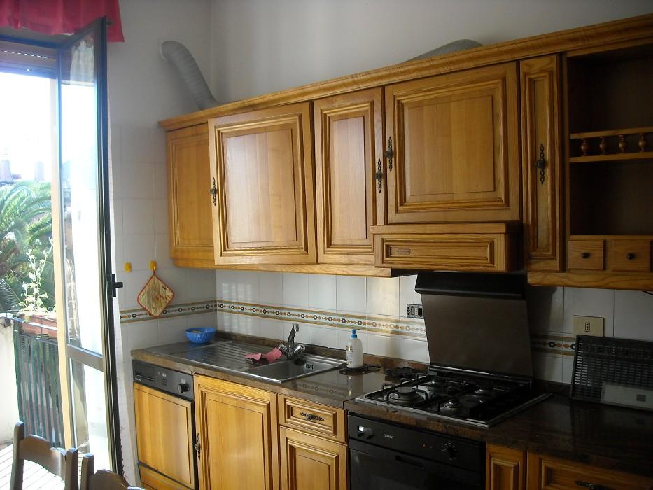 Laura castellani quarto acerbi 6 vani comodissimi alla - Contratto casa in affitto ...